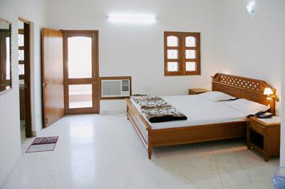 100316-bhakti-dhama-11