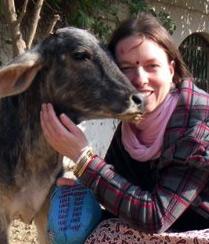 Die Autorin Mohini Priya Devi Dasi aus Jena setzt sich auf internationaler Ebene aktiv für die Rettung des Yamuna-Flusses ein.