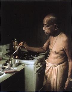 Srila Prabhupada brachte die vegetarische Kochkunst der Krishna-Tradition in die westliche Welt